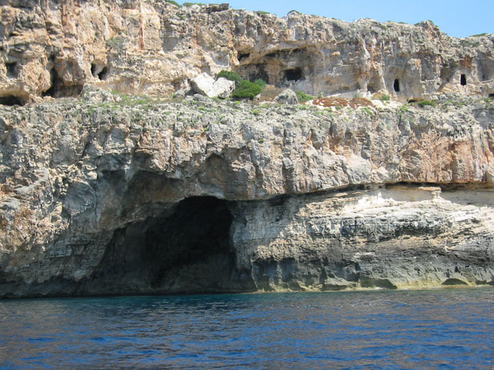 fishingtripmenorca.co.uk boat tours to Cales Coves in Minorca